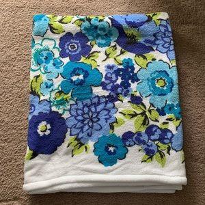 BNWOT Vera Bradley Blue and Green Floral Blanket
